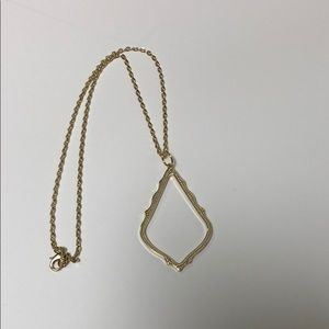 Gold Tone Teardrop necklace